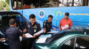 Penilaian Teknis kendaraan dinas UM oleh DISHUB kota Malang