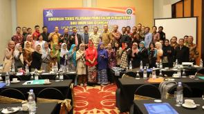 Foto bersama para peserta bimtek